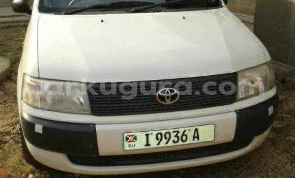 Acheter Occasion Voiture Toyota Probox Blanc à Mairie au Bujumbura