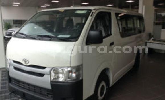 Acheter Neuf Voiture Toyota Hiace Blanc à Mairie au Bujumbura