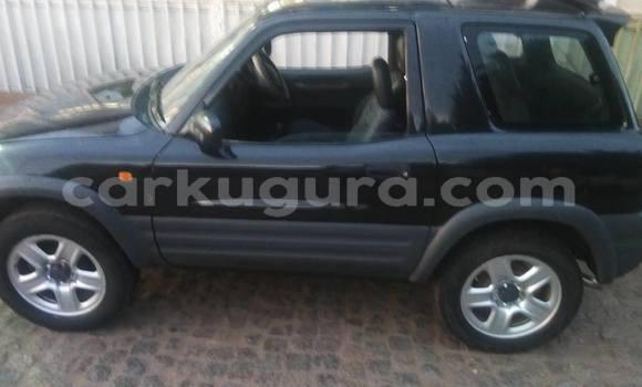 Acheter Occasion Voiture Toyota RAV4 Noir à Buyenzi au Bujumbura