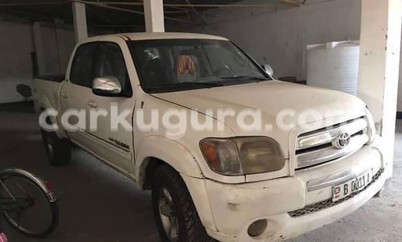 Acheter Occasion Voiture Toyota Tundra Blanc à Mairie, Bujumbura