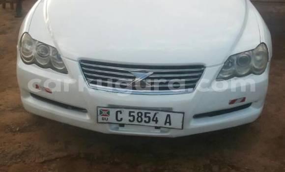 Acheter Occasion Voiture Toyota Mark X Blanc à Mairie au Bujumbura