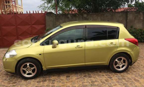 Acheter Occasion Voiture Nissan Tiida Beige à Mairie, Bujumbura