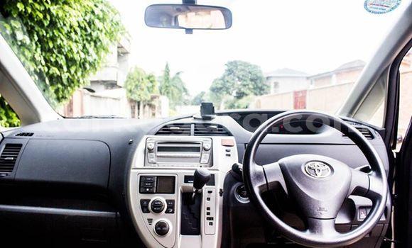 Acheter Occasions Voiture Toyota Ractis Noir à Mairie au Bujumbura