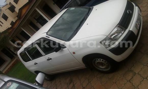 Acheter Occasions Voiture Toyota Probox Blanc à Mairie au Bujumbura