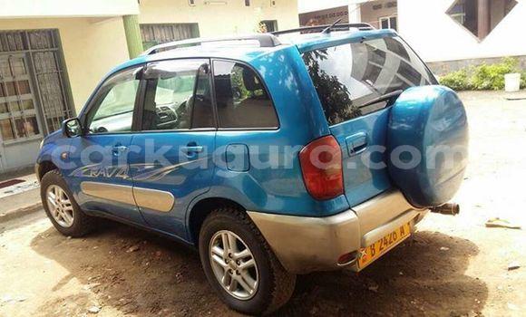 Acheter Occasion Voiture Toyota RAV4 Bleu à Mairie, Bujumbura