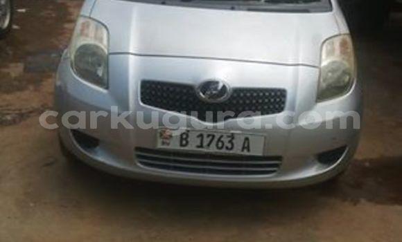 Acheter Occasion Voiture Toyota Vitz Gris à Mairie au Bujumbura