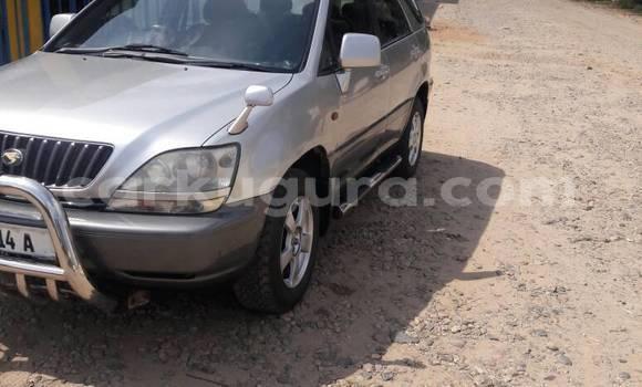 Acheter Occasion Voiture Toyota Harrier Gris à Mairie au Bujumbura