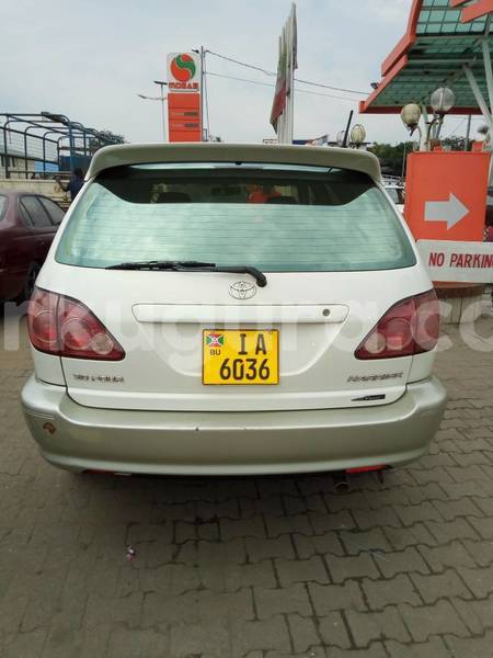Big with watermark toyota harrier3