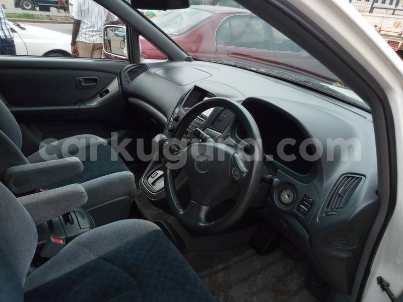 Big with watermark toyota harrier5