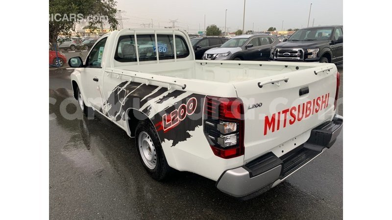 Big with watermark mitsubishi l200 bujumbura import dubai 3833