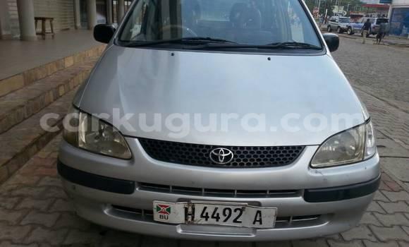 Acheter Occasion Voiture Toyota Spacio Gris à Mairie au Bujumbura
