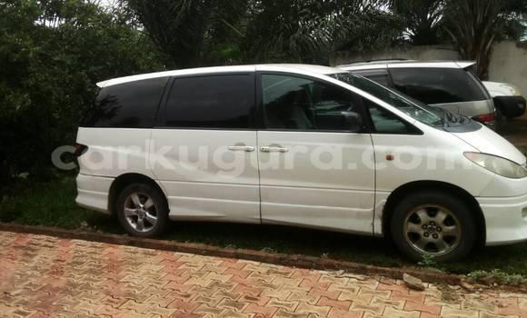 Acheter Occasion Voiture Toyota Estima Blanc à Mairie au Bujumbura
