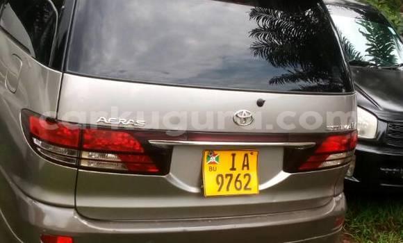 Acheter Occasion Voiture Toyota Estima Gris à Mairie au Bujumbura
