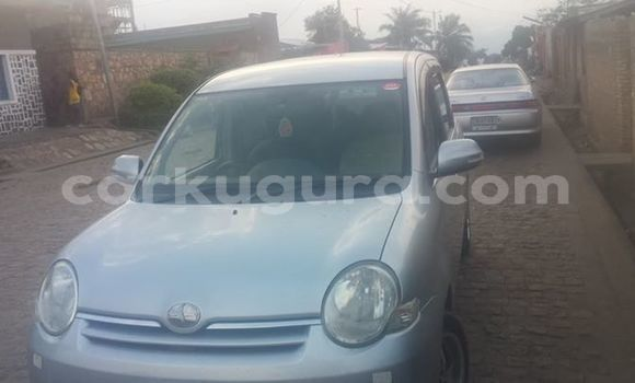 Acheter Occasions Voiture Toyota Sienna Gris à Bwiza, Bujumbura
