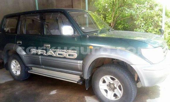 Acheter Occasion Voiture Toyota Land Cruiser Prado Vert à Muyinga au Burundi
