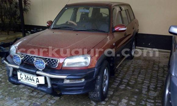 Acheter Occasion Voiture Toyota RAV4 Rouge à Muyinga, Burundi