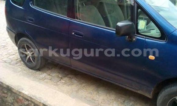 Acheter Occasion Voiture Toyota Spacio Bleu à Muyinga, Burundi