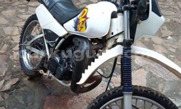 Acheter Occasion Moto Yamaha DT Blanc à Gitega, Burundi