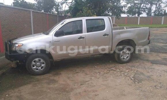 Acheter Occasion Utilitaire Toyota Hillux Blanc à Rohero, Bujumbura