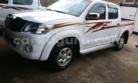 Acheter Occasion Voiture Toyota Hilux Blanc à Kamenge au Bujumbura