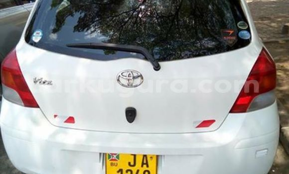 Acheter Occasion Voiture Toyota Vitz Blanc à Kinindo au Bujumbura