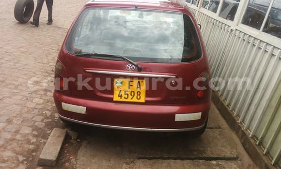 Acheter Occasions Voiture Toyota Starlet Rouge à Kamenge, Bujumbura