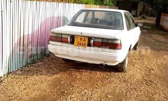 Acheter Occasion Voiture Toyota Corolla Blanc à Bururi, Burundi