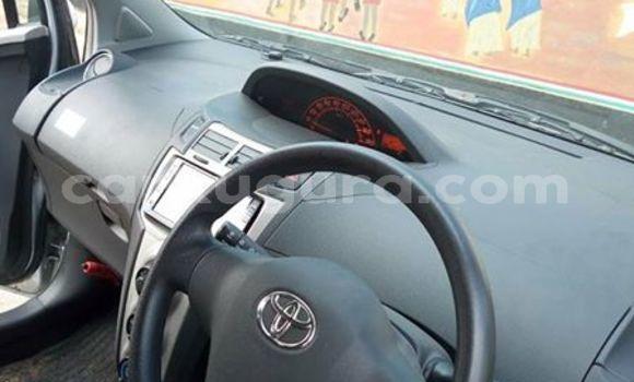 Acheter Occasion Voiture Toyota Vitz Gris à Bururi au Burundi