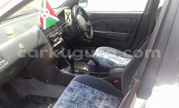 Acheter Occasion Voiture Toyota Hilux Surf Rouge à Bururi au Burundi