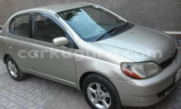 Acheter Occasions Voiture Toyota Platz Gris à Bujumbura au Bujumbura