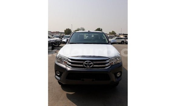 Medium with watermark toyota hilux bujumbura import dubai 4395