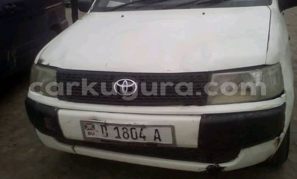Acheter Occasions Voiture Toyota Probox Blanc à Bujumbura au Bujumbura