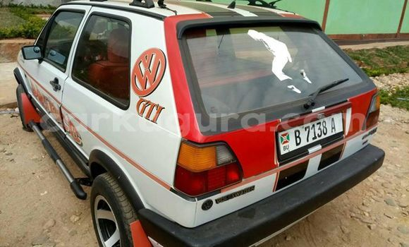 Acheter Occasion Voiture Volkswagen Golf Blanc à Bujumbura, Bujumbura
