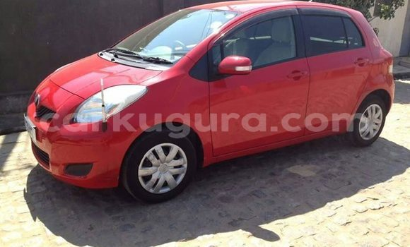 Acheter Importé Voiture Toyota Vitz Rouge à Bujumbura, Bujumbura