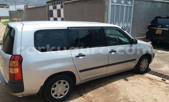Acheter Occasion Voiture Toyota Succeed Gris à Bujumbura, Bujumbura