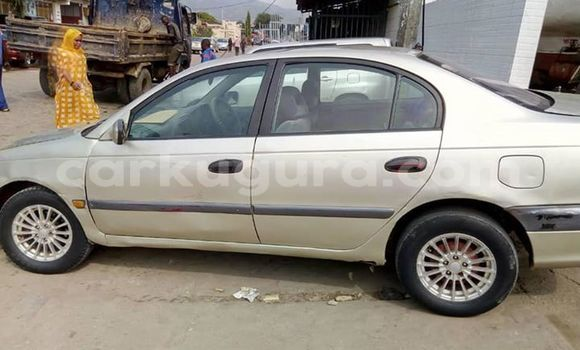 Acheter Occasion Voiture Toyota Avensis Gris à Bujumbura, Bujumbura