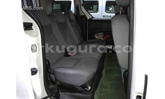 Acheter Importé Voiture Peugeot Partner Blanc à Import - Dubai, Bujumbura