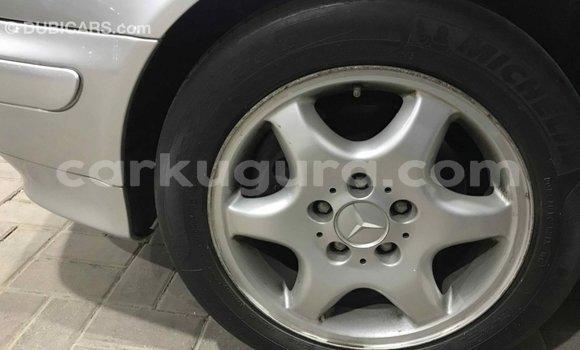 Acheter Importé Voiture Mercedes-Benz 190 (W201) Autre à Import - Dubai, Bujumbura