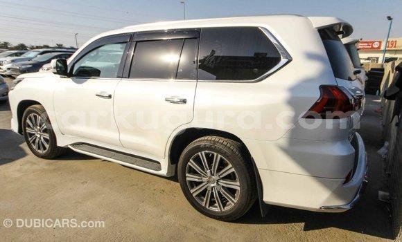 Acheter Importé Voiture Lexus LX Blanc à Import - Dubai, Bujumbura