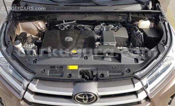 Acheter Importé Voiture Toyota Highlander Marron à Import - Dubai, Bujumbura