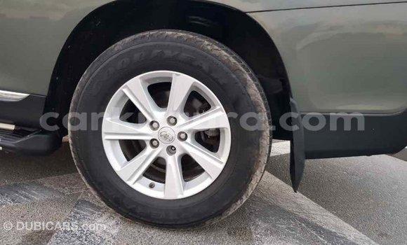 Acheter Importé Voiture Toyota Highlander Vert à Import - Dubai, Bujumbura