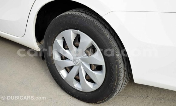 Acheter Importé Voiture Toyota Yaris Blanc à Import - Dubai, Bujumbura