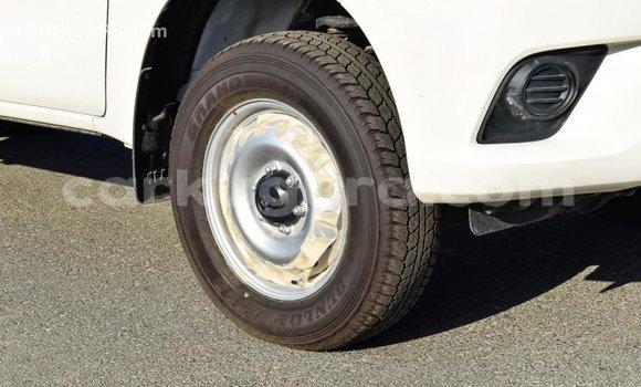 Acheter Importé Voiture Toyota Hilux Blanc à Import - Dubai, Bujumbura