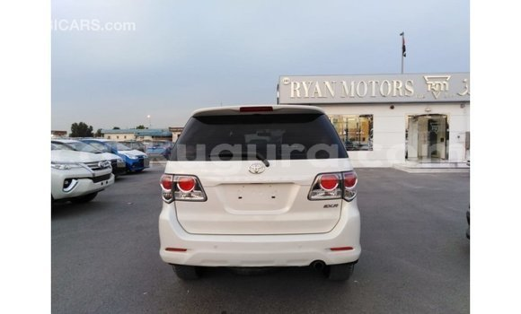 Acheter Importé Voiture Toyota Fortuner Blanc à Import - Dubai, Bujumbura