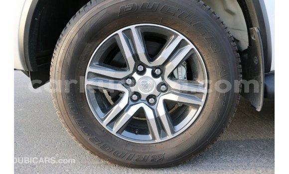 Acheter Importé Voiture Toyota Fortuner Noir à Import - Dubai, Bujumbura