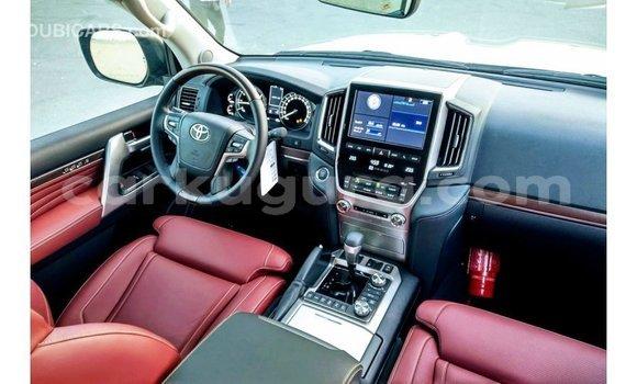 Acheter Importé Voiture Toyota Land Cruiser Noir à Import - Dubai, Bujumbura